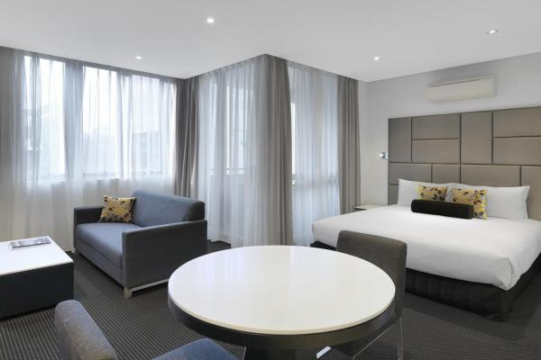 Meriton Serviced Apartments Zetland фото